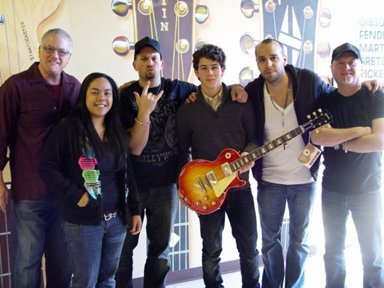 Small Business Spotlight of the Week: Norman's Rare Guitars